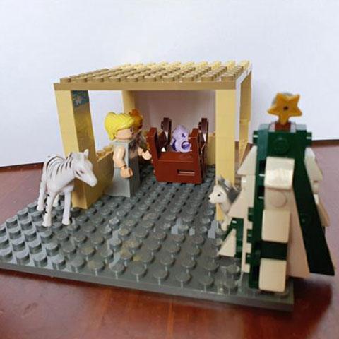 family-time-christmas-nativity-5